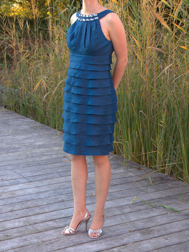 Cocktailkleid blau Gr 38 mit Volants
